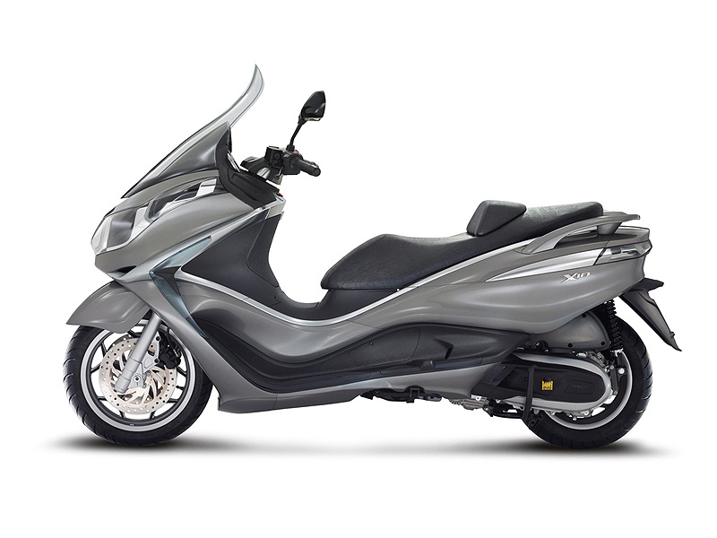 piaggio x10 125 executive un maxi scooter gt retrouver chez france scooter paris 17. Black Bedroom Furniture Sets. Home Design Ideas
