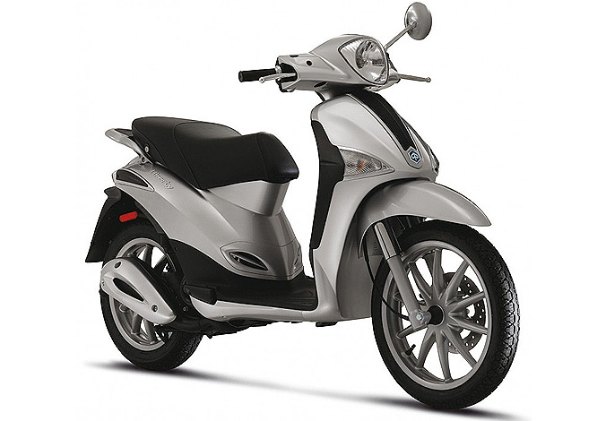 scooter piaggio liberty 50 2t un style unique brillant et jeune. Black Bedroom Furniture Sets. Home Design Ideas