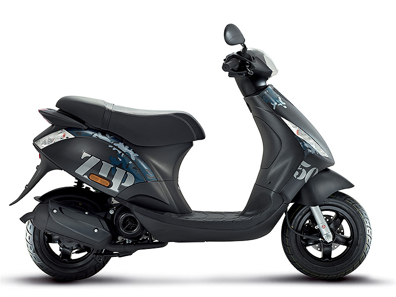 scooter piaggio zip s rie sp ciale un style unique v ritable baroudeur des villes le scooter. Black Bedroom Furniture Sets. Home Design Ideas